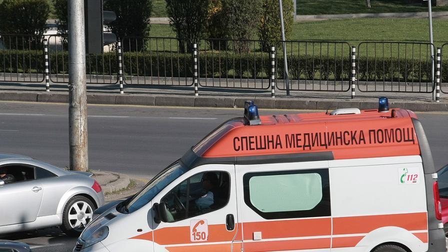 Катастрофира автобус край Търговище, загинал и ранени