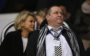Аманда Стейвли предложи  300 милиона паунда  за Нюкасъл