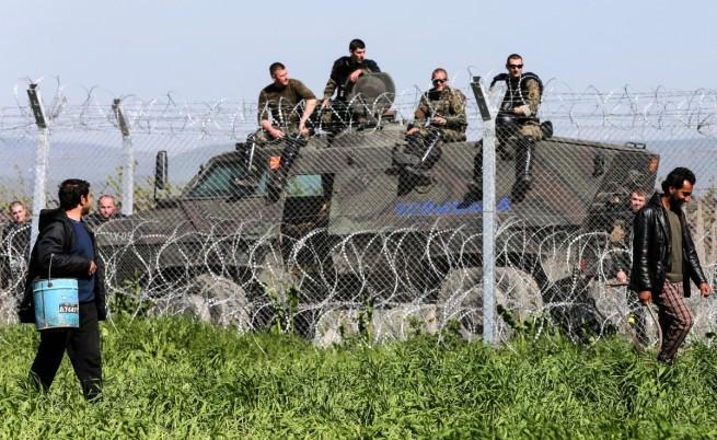 Отново сълзотворен газ и шокови гранати срещу мигрантите на гръцко-македонската граница