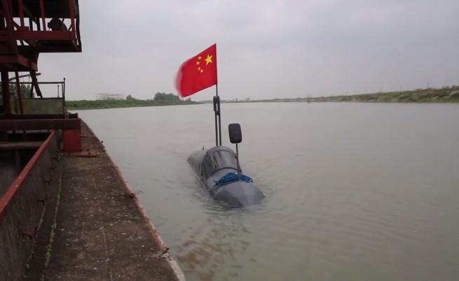 Китайски селянин си построи подводница за два месеца