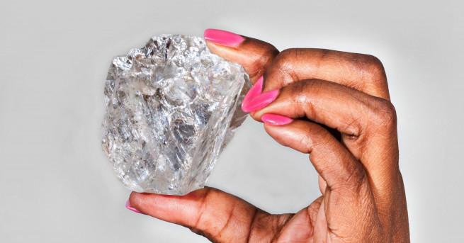 Уникална колекция от 5 брилянта, изработени от един 179-каратов диамант,