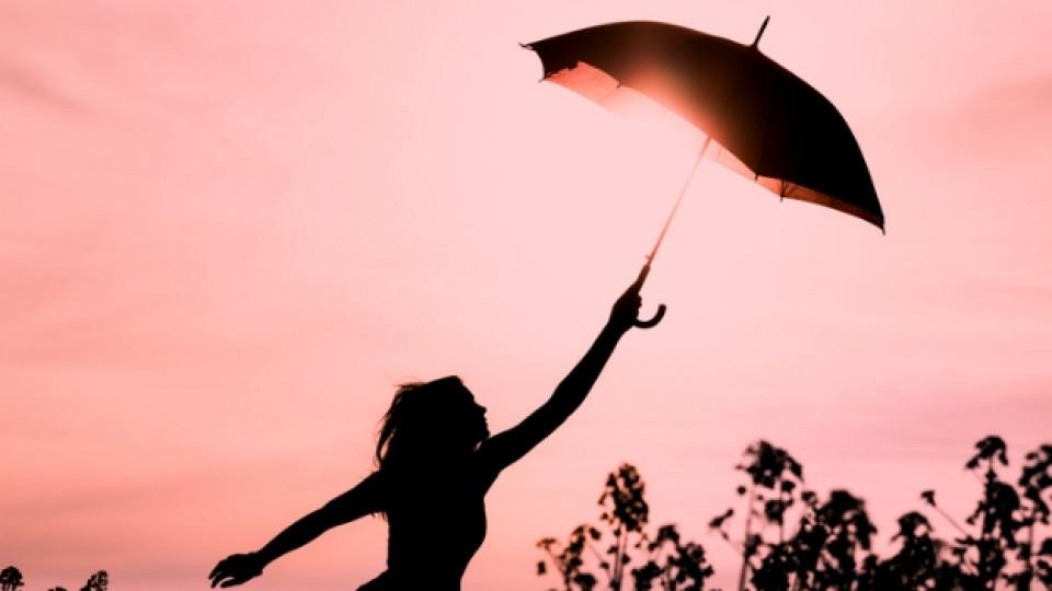 жена щастие свобода чадър приказка силует