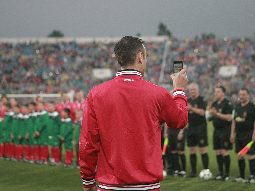 Димитър Бербатов се превърна в репортер преди и по време на футболното шоу на Христо Стоичков