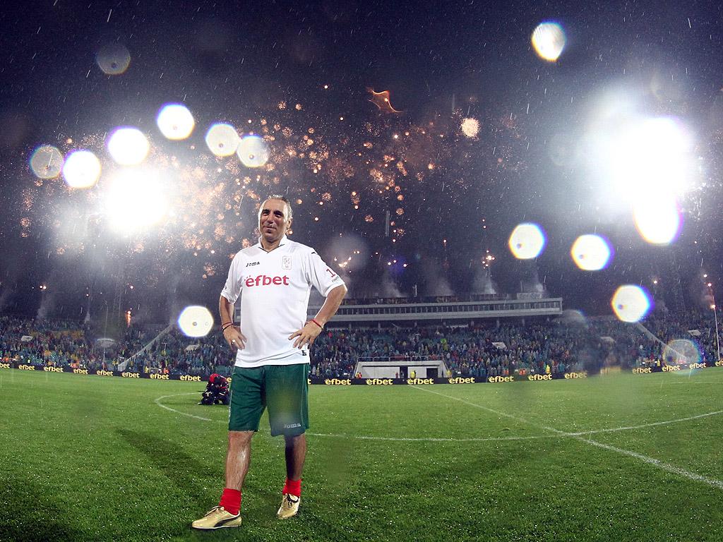 40 000 на крака за Христо Стоичков Камата празнува своите 50, десетки световни звезди го уважиха