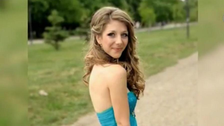 Момиче събра 46 бални рокли за социално слаби