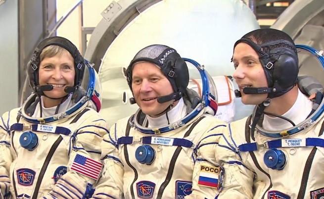 Русия се похвали с новите си астронавти