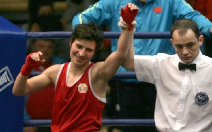 Стойка Петрова със сребро от Световното по бокс