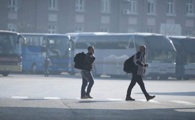 Българи на екскурзия, автобусът им не пали на студа