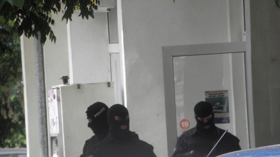 Има задържани служители на МВР, призна Бъчварова