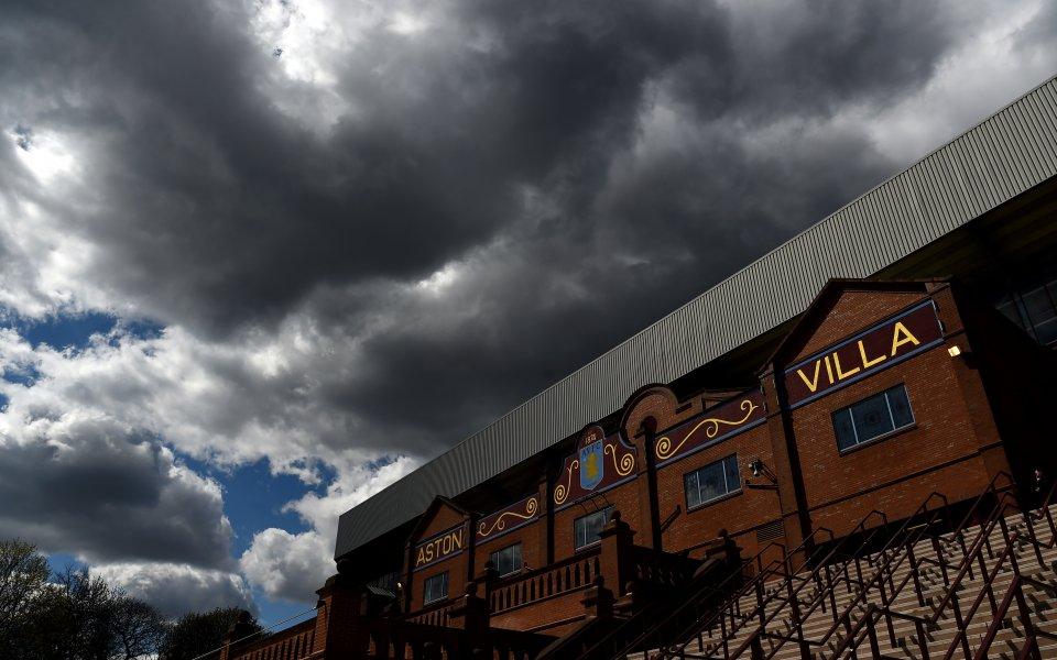 Манчестър Юнайтед прати играч под наем в Астън Вила