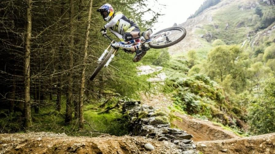 Планинско колоездене в отдалечените уелски планини