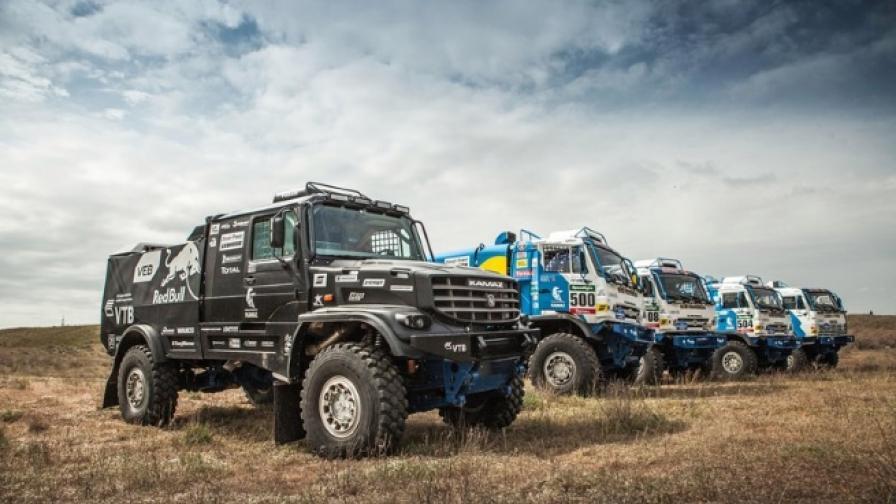 Офроуд състезание със супер тежки автомобили