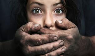 Една загубена битка, родители търсят децата си 20 години - България | Vesti.bg