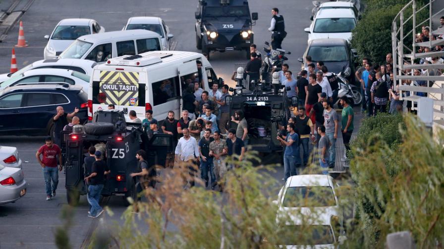 Българи блокирани в Турция, МВнР: Не излизайте навън!