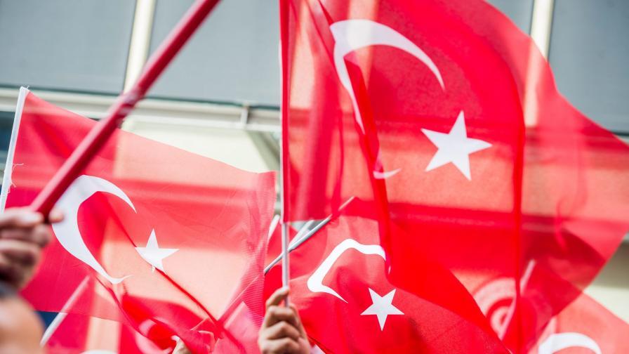 Турските пилоти, свалили руския самолет, в затвора