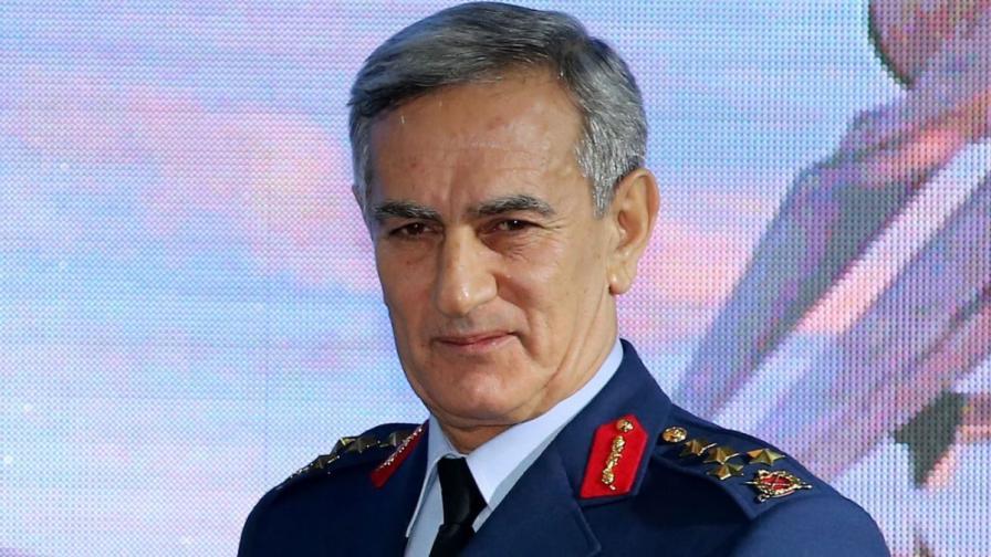 Ген. Йозтюрк - мъжът, който трябваше да смени Ердоган