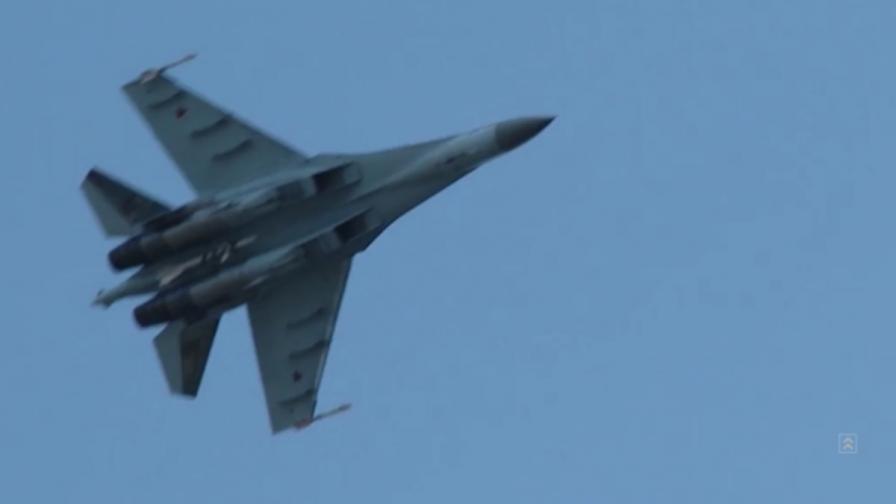 Руски изтребител прехвана американски самолет в Черно море