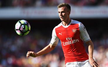 Защитник се завръща в състава на Арсенал
