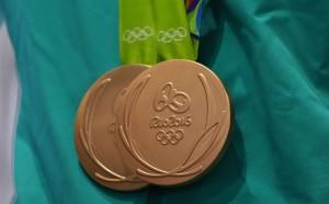 Румънец и руснак остават без медалите си от Рио
