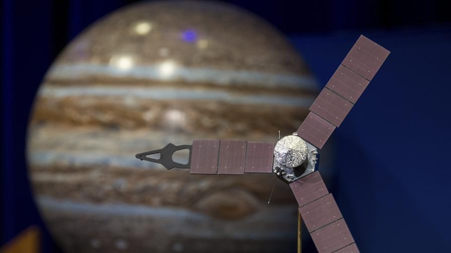 НАСА записа как звучи йоносферата на Юпитер