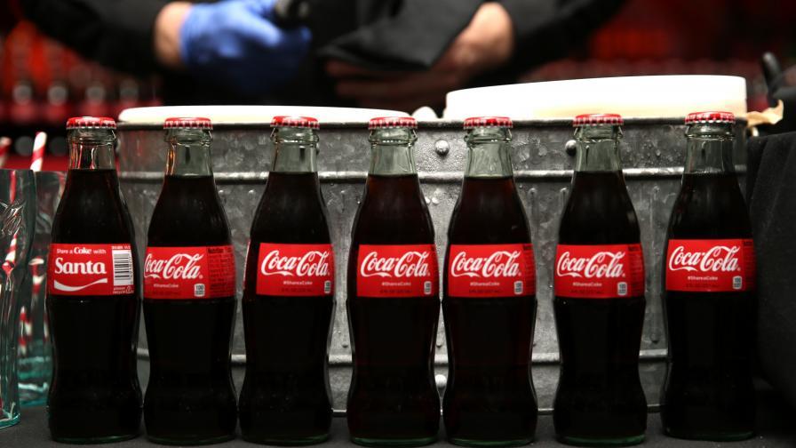 """Шефът на """"Кока-Кола"""" се оттегля, компанията e под натиск"""