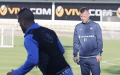 СНИМКИ: Топузаков води тренировката на Левски