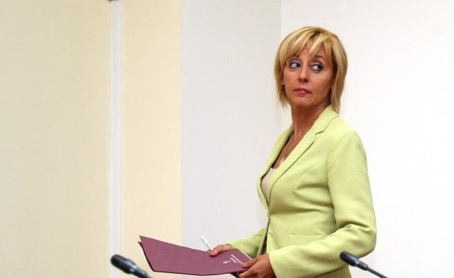 Мая Манолова: Срам! 300 деца са в затвора за неща, позволени на възрастните