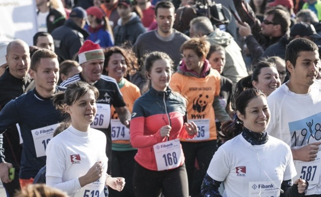 Служители на ЕКО и Мартин Чой тичаха в маратона в София