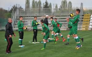 Юношите на България победиха Сърбия в контрола с 3 червени картона