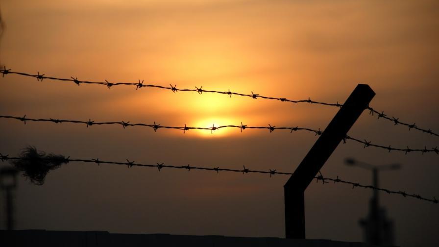 Цачева обеща повече пари, хора и техника за затворите