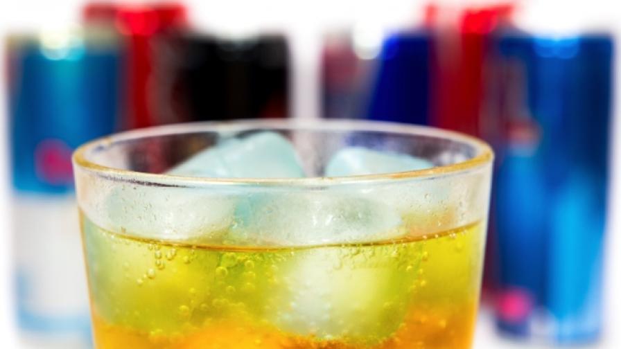Смесица от енергийни напитки и алкохол е като кокаина