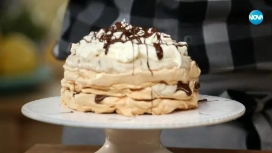 Торта, която комбинира няколко десерта в едно