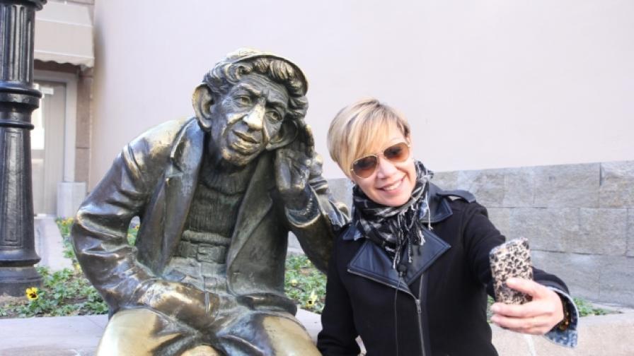 Милион и една усмивки от Пловдив с кака Лара
