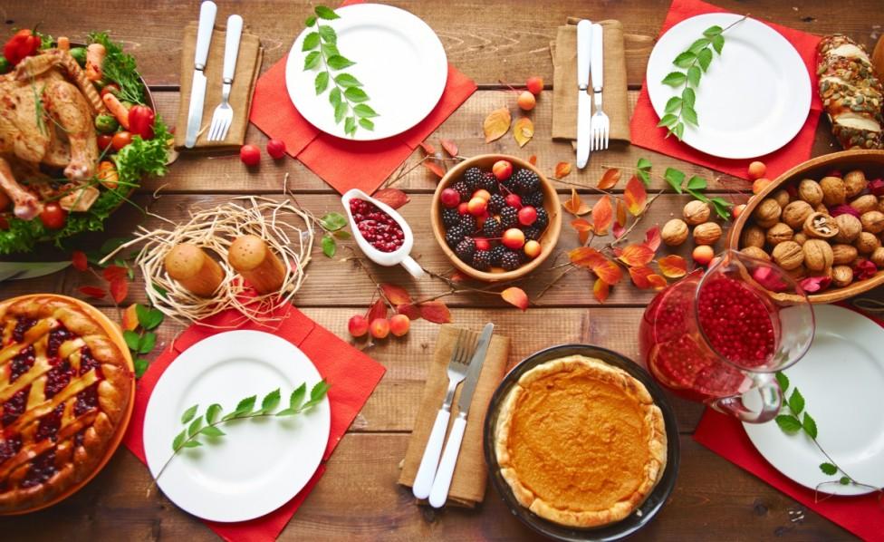 - Архангелова задушница е последната за годината, затова на общата трапеза на гробищния парк се поставят седем различни ястия (между които любими на...
