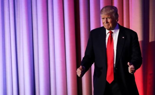 Доналд Тръмп коментира новините за себе си и Русия и още...