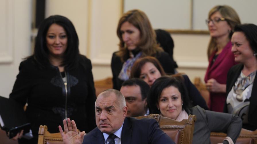 Кои министри се връщат в парламента