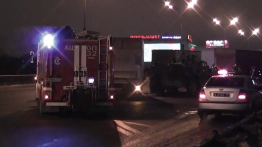 Руска катастрофа: Камион срещу БТР