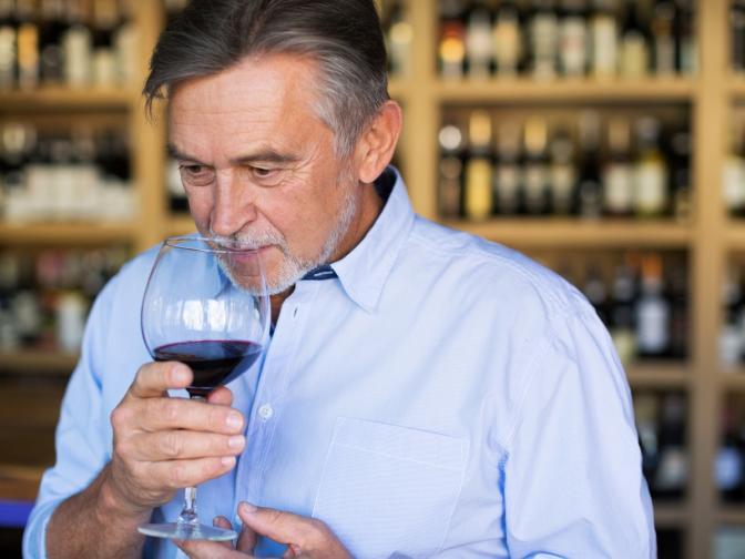 <br /> Не гълтайте виното. Това отличава аматьорите от професионалистите, който държат мозъка си трезв<br />