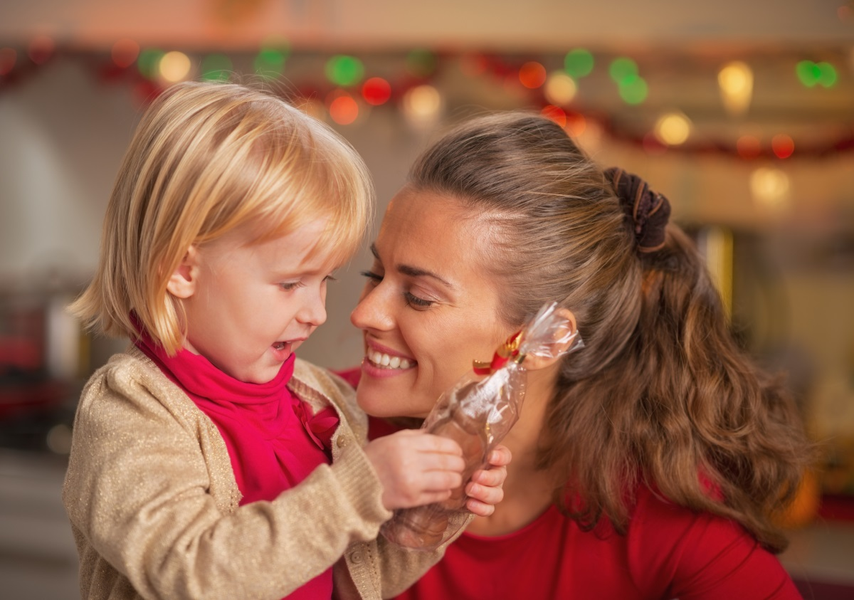 2. Приготвят се много лакомства за децата.