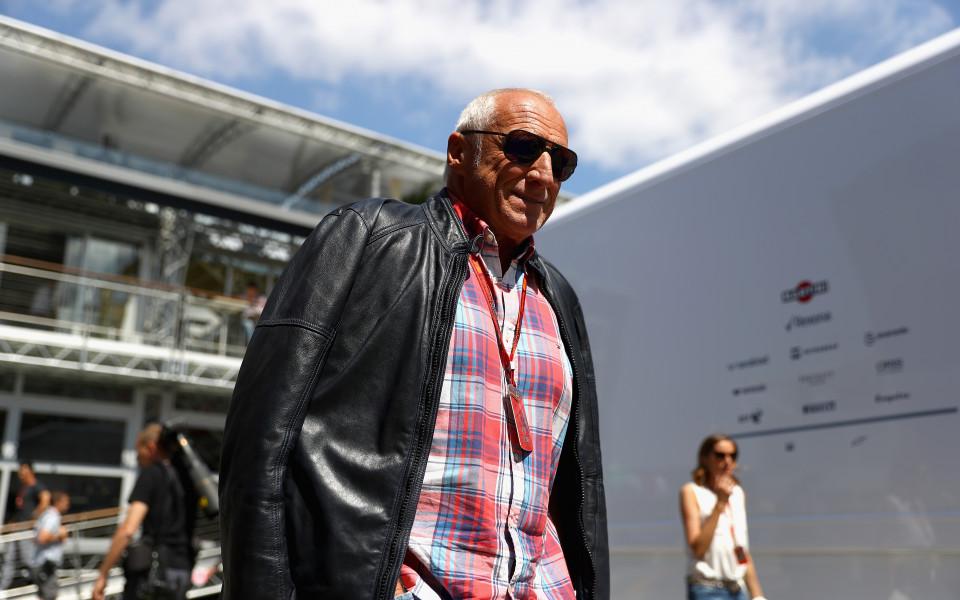 Босът на Ред Бул не планира изтегляне от Ф1