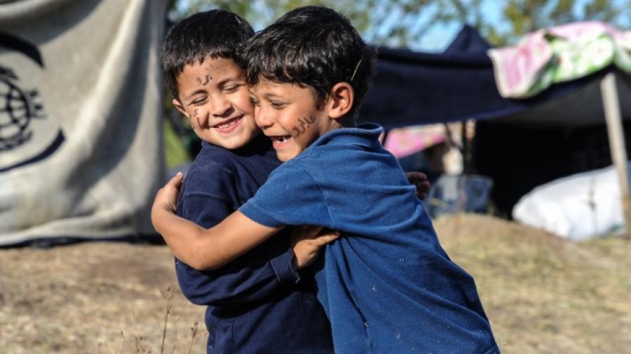 Децата в Алепо: Съжаляваме, Де Мистура, искаме да живеем
