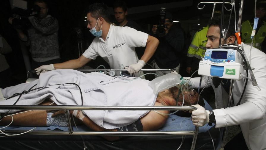 Извадиха оцелели от разбилия се самолет в Колумбия