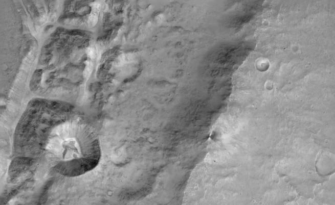 Ето ги първите снимки на Марс от Европейската мисия