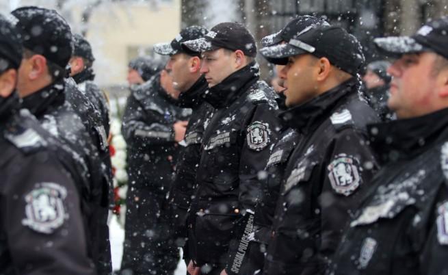 Полицаите готвят нови протести