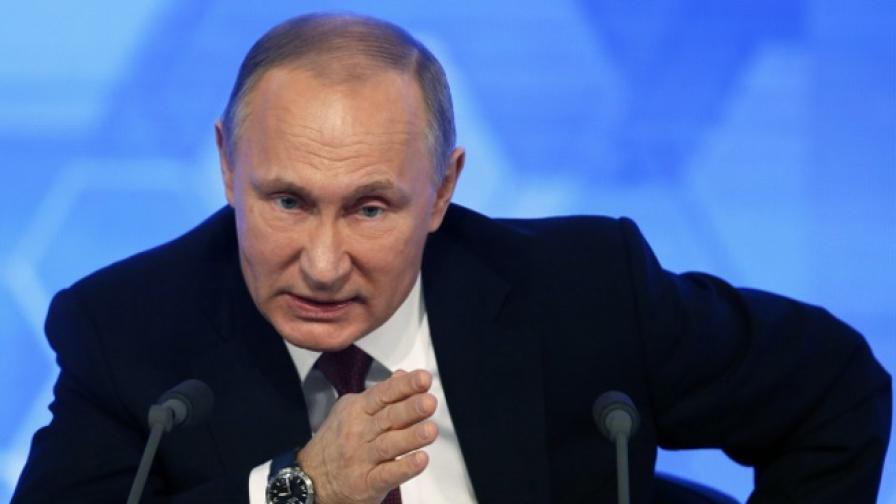 """Путин: Поръчителите на компромата са """"по-лоши от проститутки"""""""