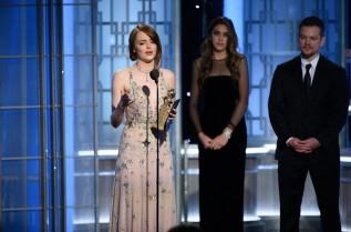 """Ема Стоун вече грабна статиетка """"Златен Глобус"""" за най-добра актриса за ролята си в """"Ла Ла Ленд"""""""