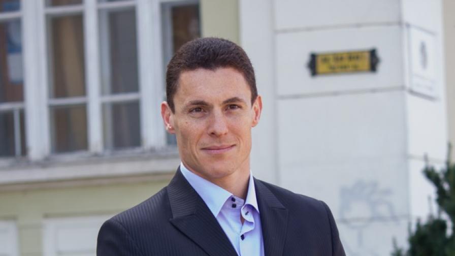 Проданов стана лидер на АБВ, на мястото на Първанов