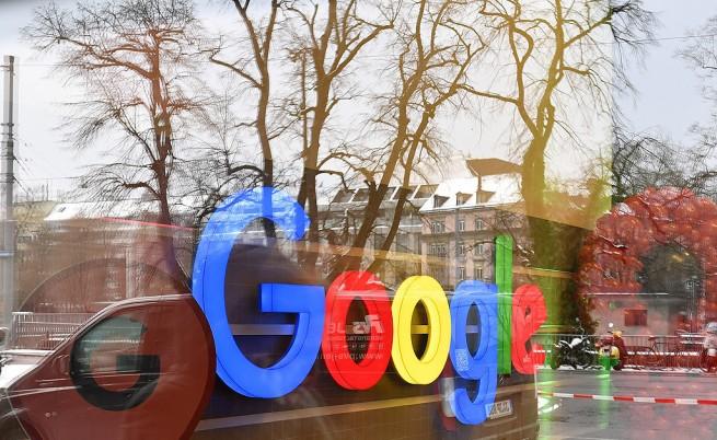 """Google си спести сенаторския """"грил"""" и си навлече критики"""