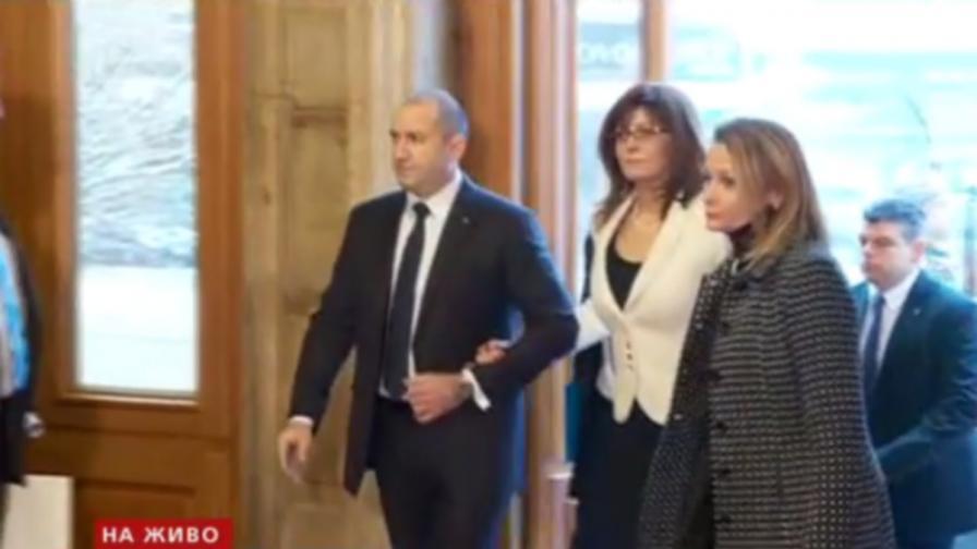 Черно и бяло по президента, първата дама и Йотова