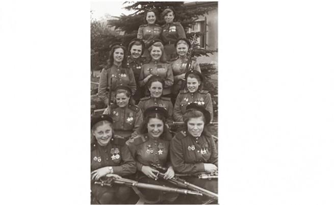 Жени снайперисти от Трета ударна армия на Първи беларуски фронт.